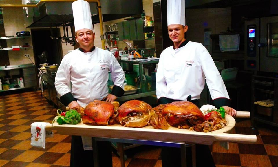 Kucharze restauracji Joanna w Kątach Opolskich